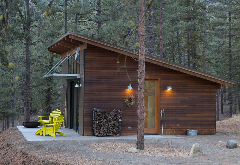 Hilton construction modern passive solar ranch house for Solar home designs